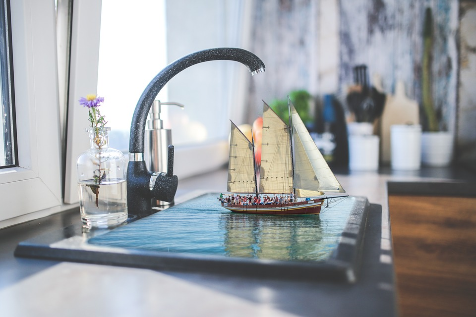 Sink-With-Boat